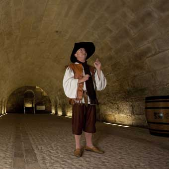 Los espacios del vino en logro o el correo for Oficina correos logrono