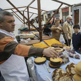 Mercado de la Almendra en Vitoria-Gasteiz  2fbfb95334468
